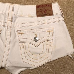 TRUE RELIGION CUT OFFS